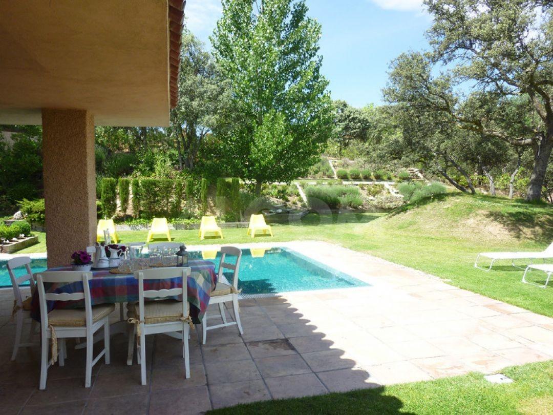 Casa chalet en alquiler vacacional en sevilla la nueva - Chalet en madrid ...