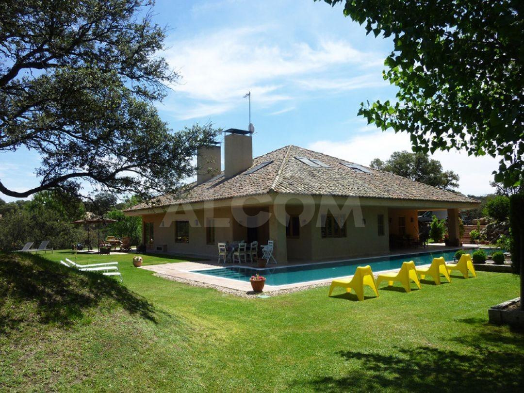 Casa chalet en alquiler vacacional en sevilla la nueva for Chalet en alquiler para vacaciones en sevilla